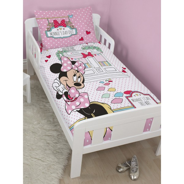 parure lit bebe disney id e inspirante pour la conception de la maison. Black Bedroom Furniture Sets. Home Design Ideas