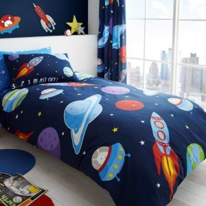 fus e astronaute galaxie parure de lit enfant 1001. Black Bedroom Furniture Sets. Home Design Ideas